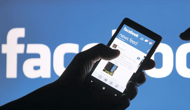 Unscathed by Scandal, Facebook Remains Top Social Media Marketing Choice